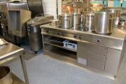 Saubere Anarbeitung an Küchenblöcken